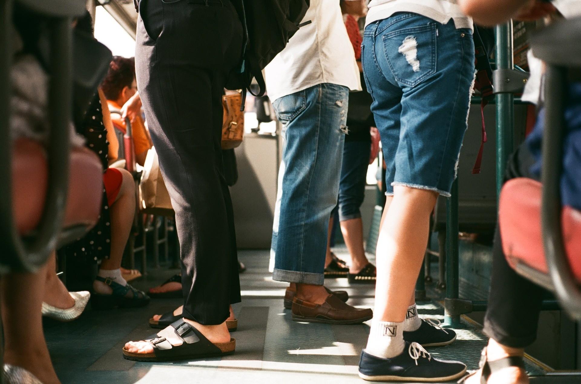 passagiers in de bus