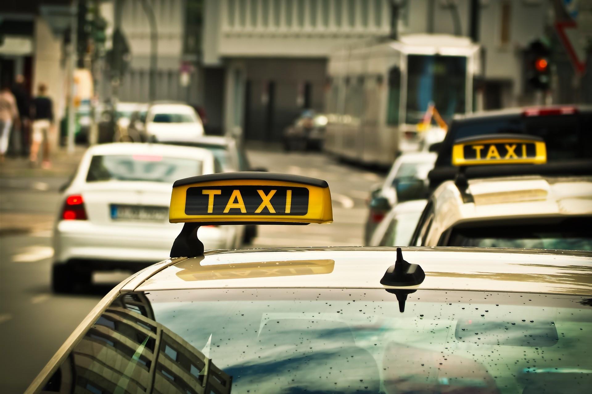 Taxi rijden in de stad